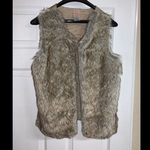 Faux fur kids vest